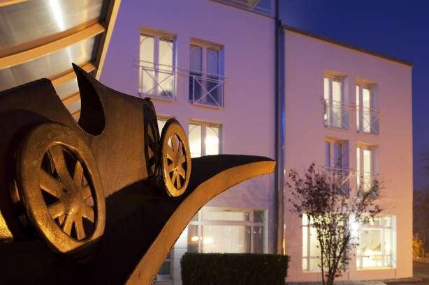 h tel de charme 3 toiles molsheim sur la route des vins d 39 alsace h tel le bugatti site. Black Bedroom Furniture Sets. Home Design Ideas